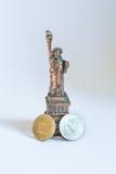 Los Estados Unidos de América Estatua de la libertad y de la puesta del sol de New York City Foto de archivo