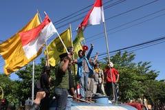 Los estudiantes están exigiendo al gobierno para reducir el precio del aceite fotografía de archivo