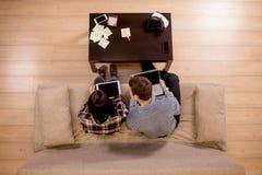 Los estudiantes juntan la preparación para los exámenes Visión superior Fotografía de archivo libre de regalías