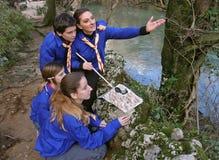 Los exploradores aprenden la orientación 3 Fotografía de archivo