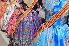 Los fallas del traje de Falleras visten al detalle de Valencia Foto de archivo libre de regalías