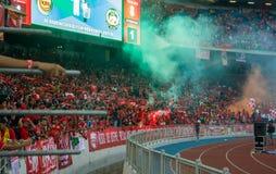 Los fanáticos del fútbol de la alegría de Liverpool en la acción durante LFC viajan a 2015 Imagen de archivo libre de regalías