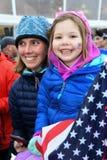 Los fans de la raza animan durante la raza del eslalom de las mujeres durante Audi FIS Ski World Cup imagen de archivo