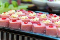 Los Frucht backt auf einem Buffet zusammen lizenzfreie stockfotografie