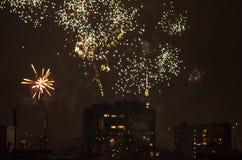 Los fuegos artificiales del Año Nuevo en Berlín con la TV se elevan Fotos de archivo libres de regalías