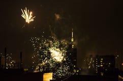 Los fuegos artificiales del Año Nuevo en Berlín con la TV se elevan Fotografía de archivo