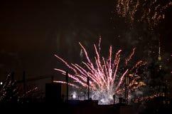 Los fuegos artificiales del Año Nuevo en Berlín con la TV se elevan Imagen de archivo libre de regalías