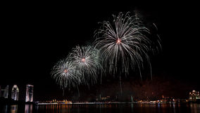 Los fuegos artificiales exhiben en Putrajaya Fotografía de archivo libre de regalías