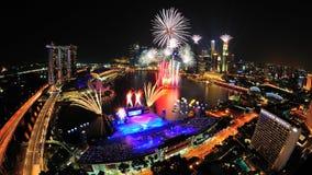 Los fuegos artificiales visualizan durante el desfile 2011 del día nacional Imagenes de archivo