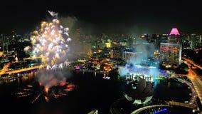 Los fuegos artificiales visualizan en la bahía del puerto deportivo durante NDP 2012 Fotografía de archivo libre de regalías