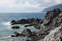 Los Gigantes -在特内里费岛的火山的海岸线 库存照片