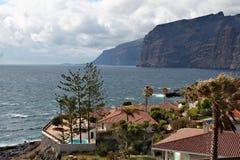 Los Gigantes - litoral vulcânico na ilha de Tenerife imagens de stock