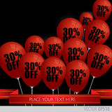 Los globos rojos con venta descuentan el 30 por ciento Imagenes de archivo