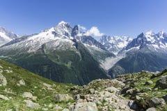 Los grandes picos del macizo de Mont Blanc montan@as fotos de archivo libres de regalías
