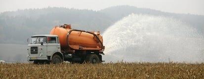 Los granjeros checos ordeñan la protesta - Lysice Imagenes de archivo