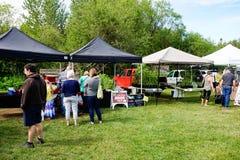 Los granjeros comercializan en Courtenay, Columbia Británica Canadá imágenes de archivo libres de regalías