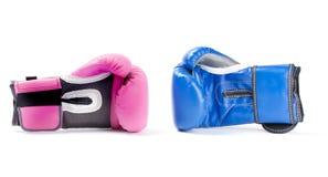 Los guantes de boxeo se cierran para arriba Imagenes de archivo