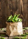 los guisantes verdes frescos Fotos de archivo