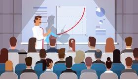 Los hombres de negocios agrupan en los cursos de aprendizaje de la reunión de la conferencia Flip Chart con el gráfico Fotografía de archivo libre de regalías