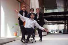 Los hombres de negocios agrupan se divierten Imágenes de archivo libres de regalías