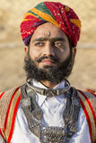 Los hombres del retrato que llevan el vestido tradicional de Rajasthani participan en Sr. Abandone la competencia como parte de f Imagen de archivo