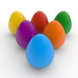 Los huevos de Pascua felices, cartel, colorearon los huevos realistas, fondo blanco, tarjeta del día de fiesta, aislada Fotografía de archivo