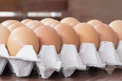 Los huevos en paquete Fotografía de archivo