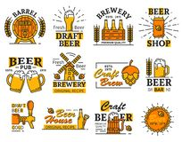 Los iconos de la barra o de la cervecería de la casa de la cerveza con alcohol beben libre illustration
