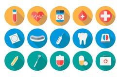 Los iconos de la medicina fijaron en diseño plano con el ejemplo largo de la sombra Foto de archivo
