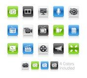 Los iconos de los multimedia limpian series ilustración del vector