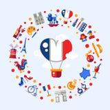 Los iconos del viaje de Francia circundan la postal con símbolos franceses famosos Imágenes de archivo libres de regalías