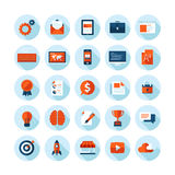 Los iconos modernos del diseño plano fijaron de artículos del diseño web Imagen de archivo libre de regalías