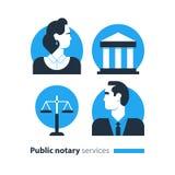 Los iconos públicos de los servicios del notario fijados, defensa del hombre del bufete de abogados consultan el documento certif Imagenes de archivo