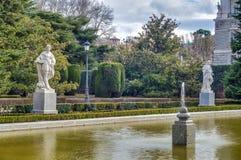 Los jardines de Sabatini en Madrid, España Imagen de archivo libre de regalías