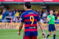Los juegos de Luis Suarez en el La Liga hacen juego entre el Villarreal CF y el FC Barcelona en el estadio del madrigal del EL imagen de archivo