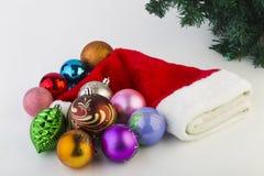 Los juguetes del Año Nuevo en un fondo blanco Imágenes de archivo libres de regalías