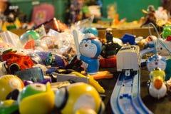 Los juguetes en tienda de los juguetes Imagen de archivo libre de regalías