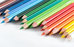 Los lápices del color adentro arreglan en color Foto de archivo libre de regalías