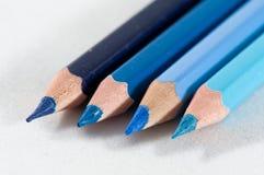 Los lápices del color adentro arreglan en color Fotos de archivo libres de regalías