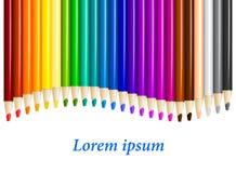 Los lápices del color adentro arreglan en fila del color Imagenes de archivo