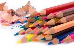 Los lápices multicolores fijaron aislado en un fondo blanco Fotos de archivo