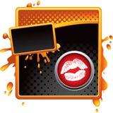 Los labios se besan en anuncio sucio de semitono anaranjado y negro Foto de archivo