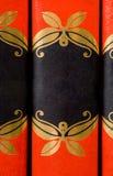 Los libros adornados rojos brillantes sin títulos - agregue su propio texto Fotos de archivo libres de regalías