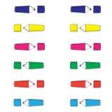 Los marcadores coloreados dan el modelo exhausto en el fondo blanco Fotos de archivo
