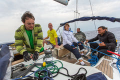 Los marineros participan en la regata 12mo Ellada de la navegación Fotos de archivo