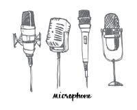 Los micrófonos dibujados simples a pulso fijan, vector el desig del ejemplo Fotos de archivo