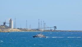 Los militares expiden en el puerto Fotos de archivo