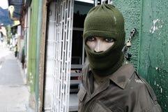 Los militares hacen compras - Bogotá fotos de archivo