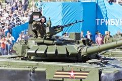 Los militares rusos transportan en el desfile en Victory Day anual, Fotografía de archivo