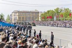 Los militares rusos transportan en el desfile en Victory Day anual, Imágenes de archivo libres de regalías